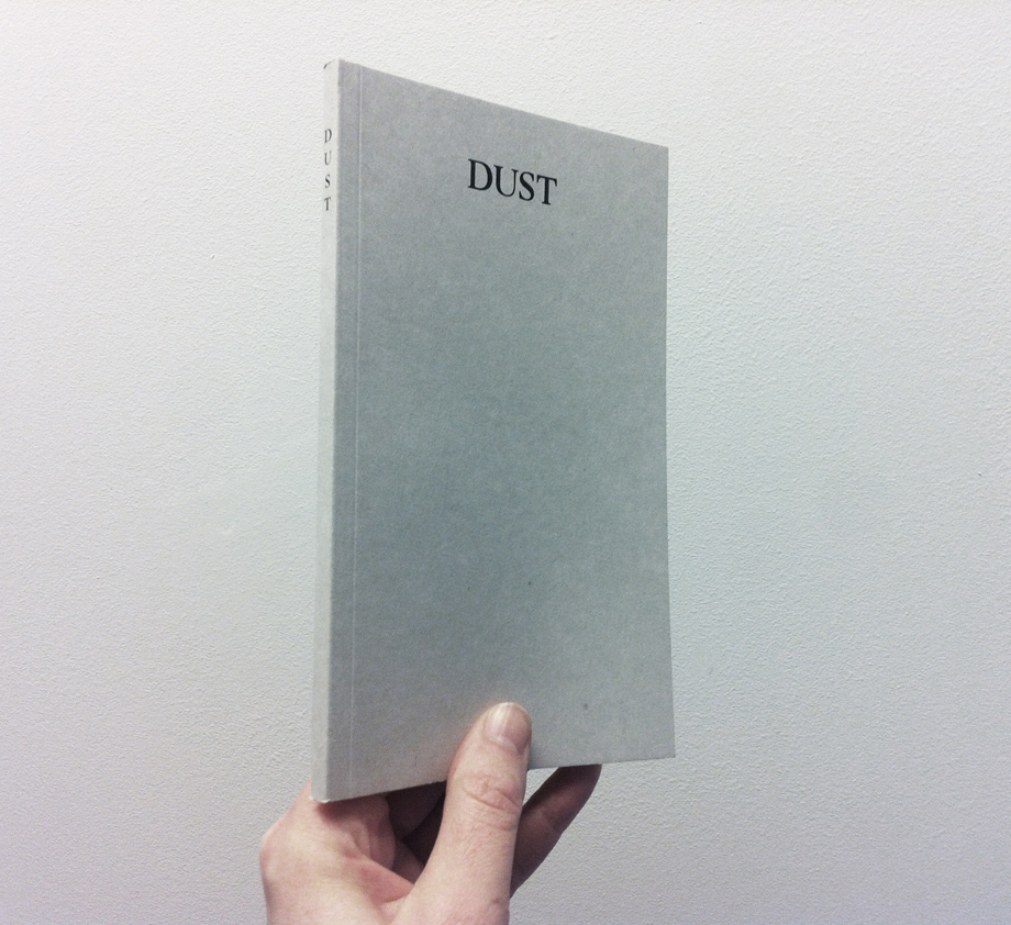 Det falske spill_Dust_cover